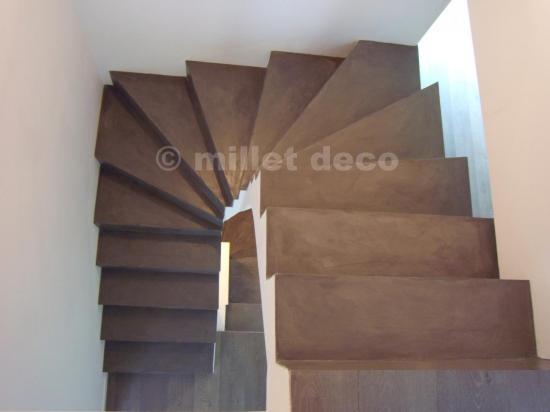 beton cir sur escalier carrel id e inspirante pour la conception de la maison. Black Bedroom Furniture Sets. Home Design Ideas