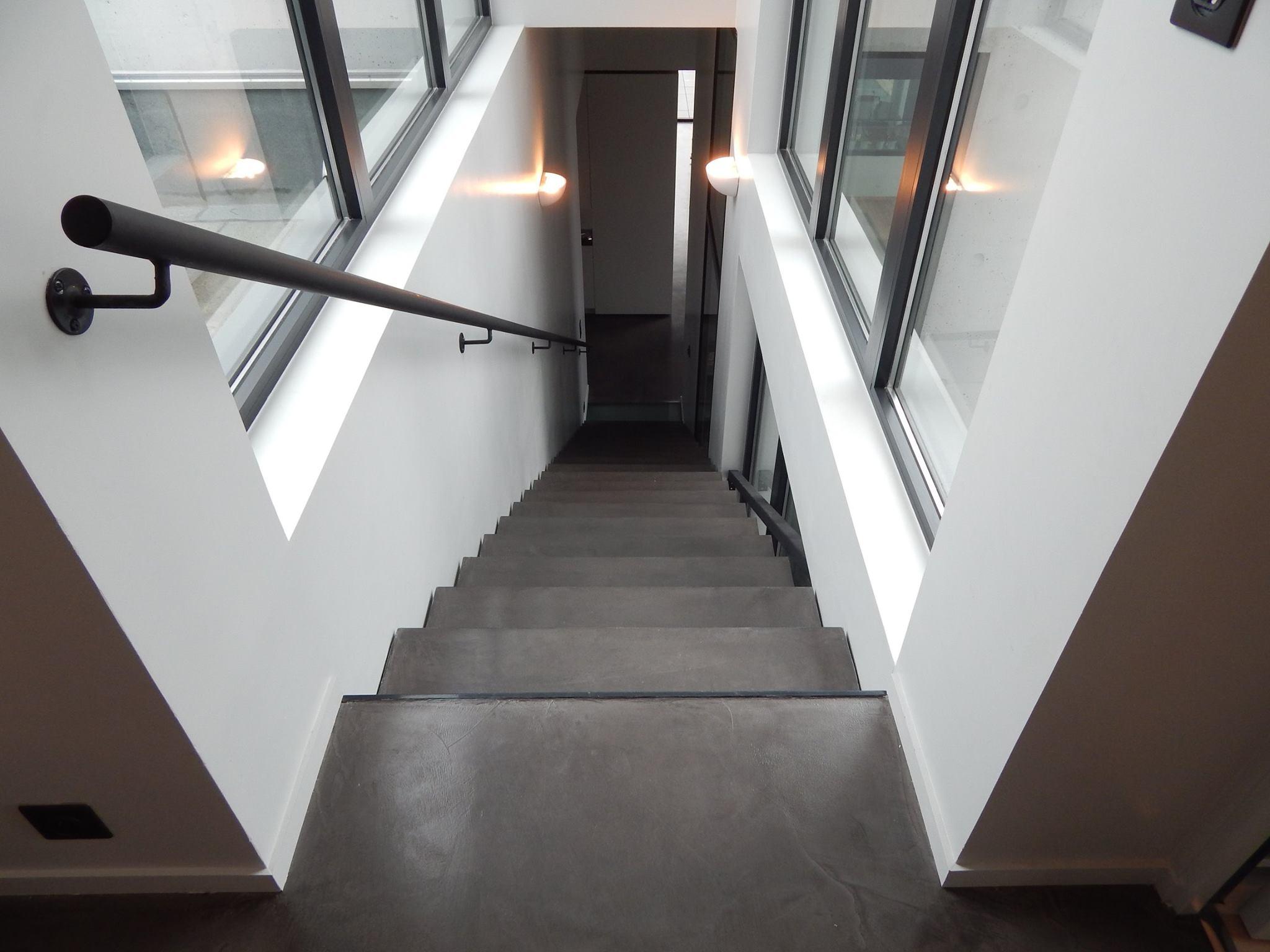 Escalier Val D Oise beton ciré, béton ciré versailles, béton ciré nanterre
